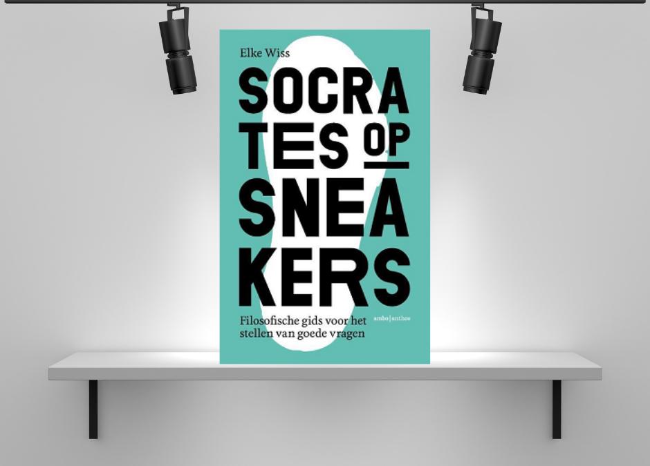 Socrates op sneakers van Elke Wiss
